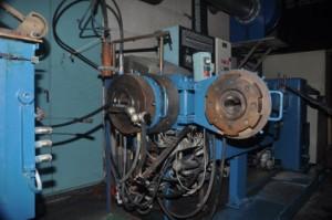 Extrudeuse d'Agripsol fabricant de joint étanchéité caoutchouc sur mesure et profilé étanchéité caoutchouc sur mesure